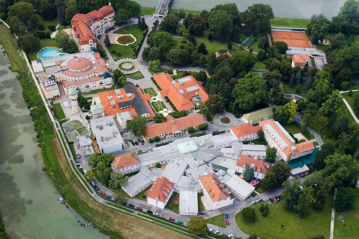 Gezondheidsvakanties naar het Sloveense kuuroord Piestany met verblijf en kuur in Pro Patria Health Spa Resort