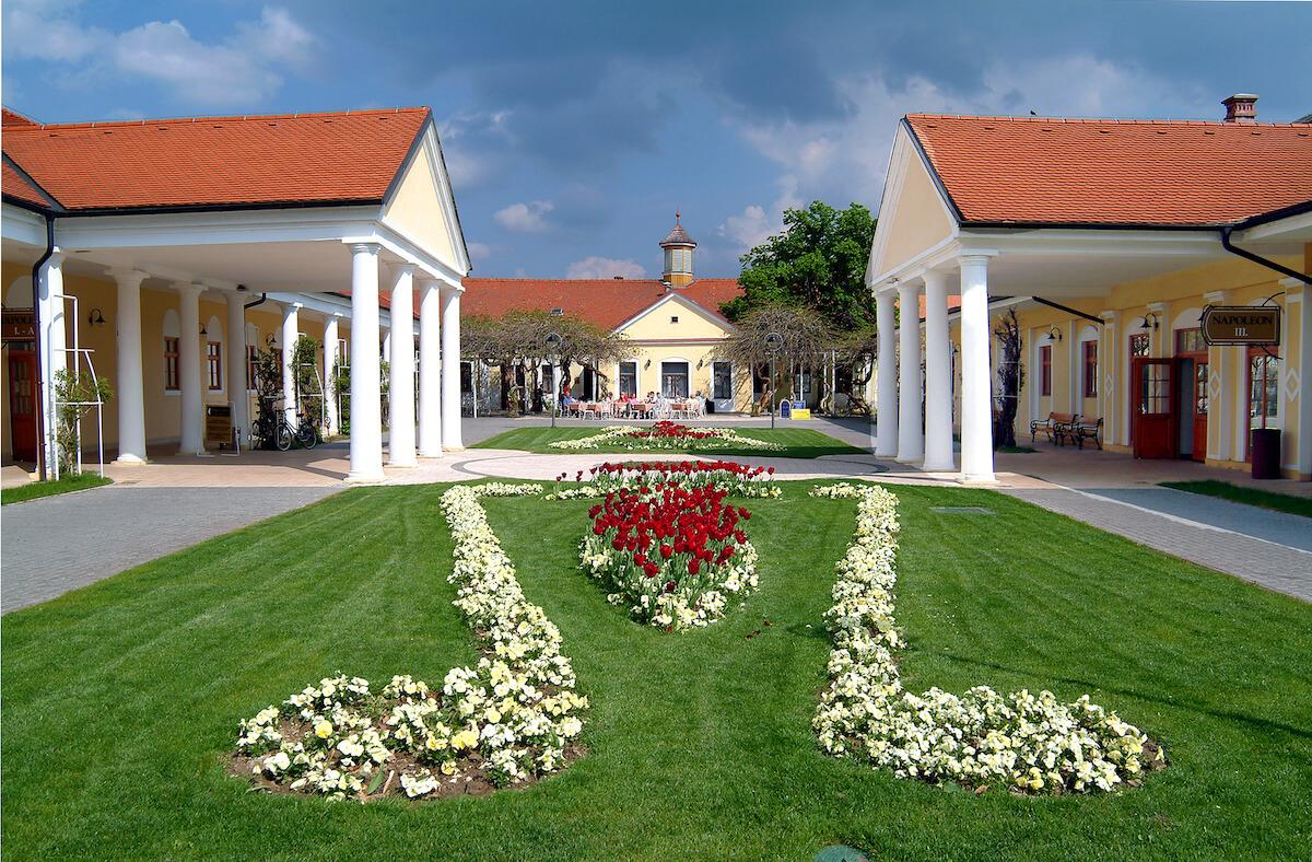 Het naast Pro Patria Health Spa gelegen Napoleon Spa
