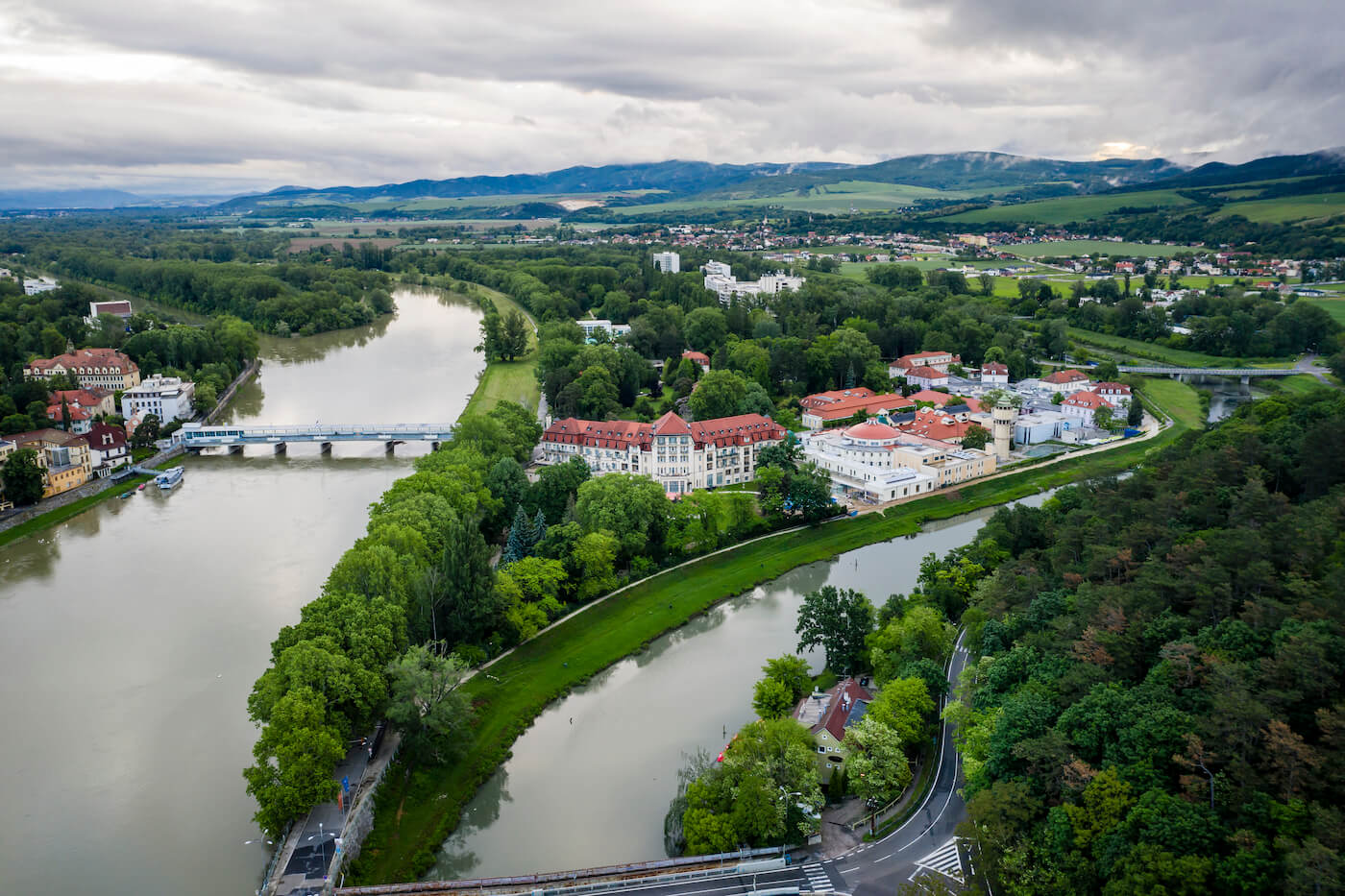 Kuurreizen voor spier- en gewrichtsklachten naar het Slowaakse kuuroord Piestany