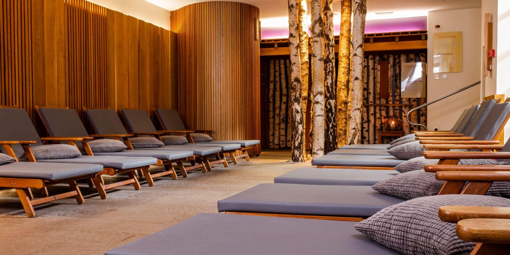 Relaxruimte in het Sloveense spa resort Terme Smarjeske Toplice.
