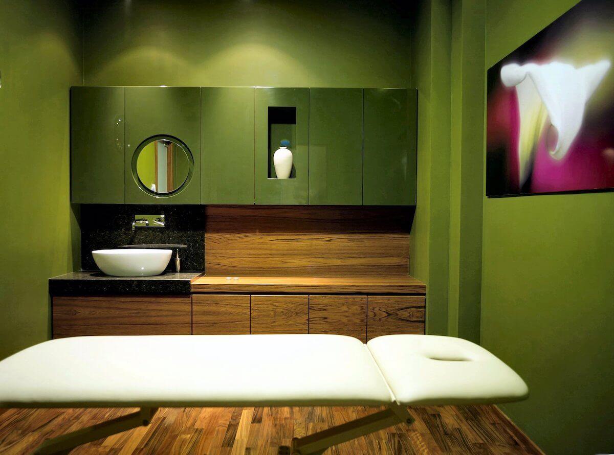Behandelruimte in het Sloveense spa resort Terme Smarjeske Toplice.