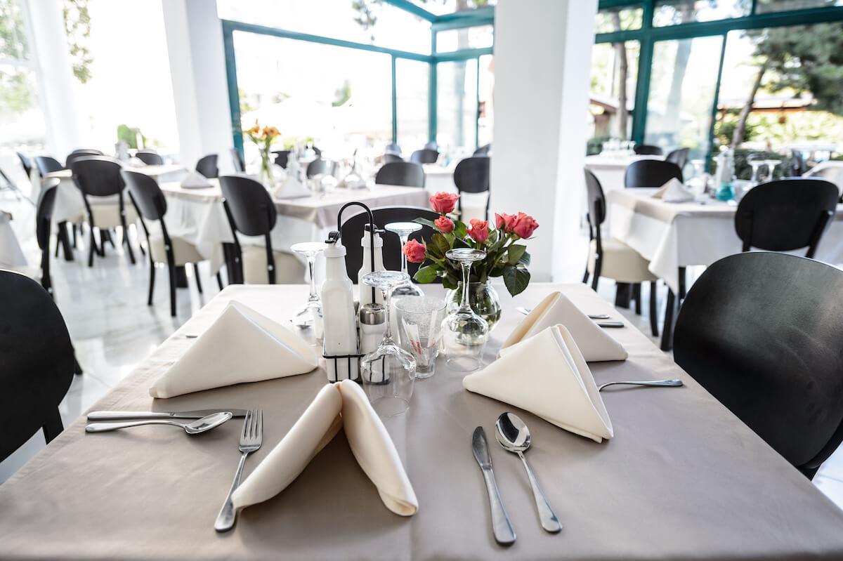 Interieur restaurant Mirage MedSpa Resort