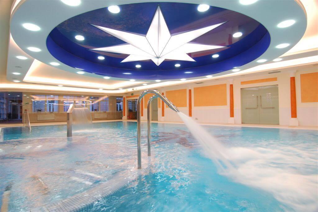 Binnenbad Hvezda Health Spa Resort