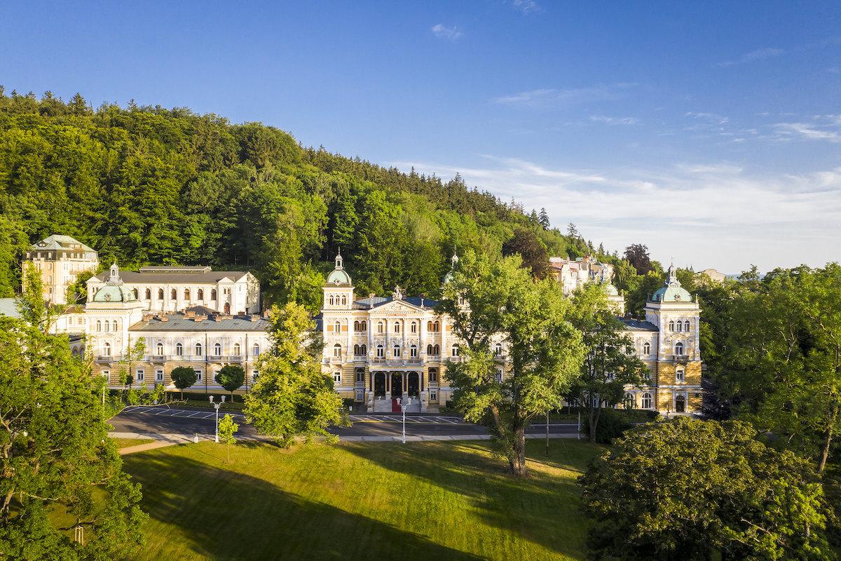 Kuurreizen naar het Tsjechische kuuroord Marianske Lazne (Mariënbad) met verblijf en kuur in Hvezda Health Spa Resort