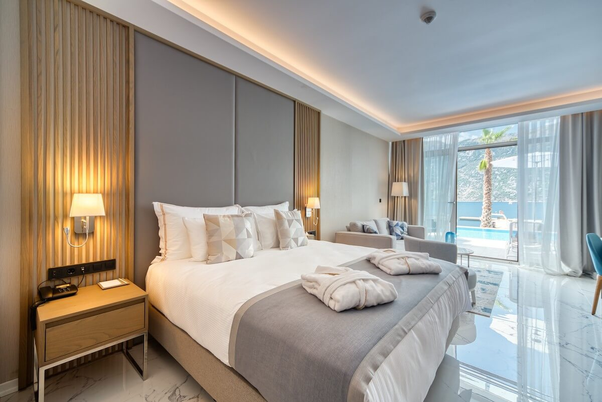 Deluxe kamer met zeezicht in Blue Kotor Bay Spa Resort