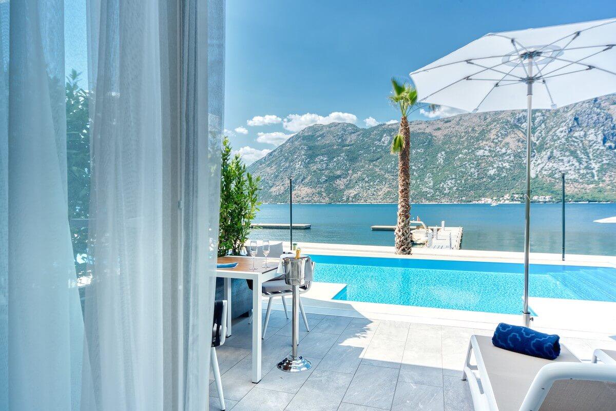 gedeelde privé zwembad deluxe kamers Blue Kotor Bay Spa Resort