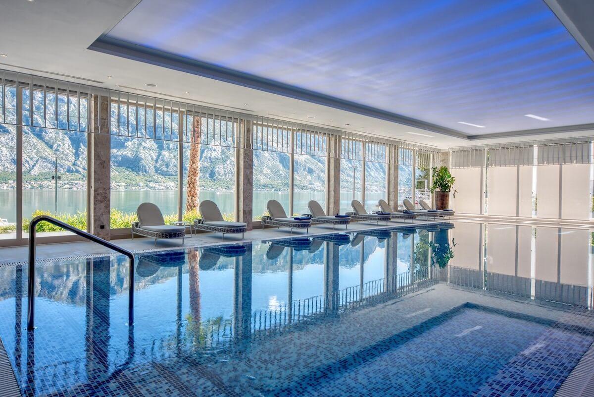 Binnenbad Blue Kotor Bay Spa Resort