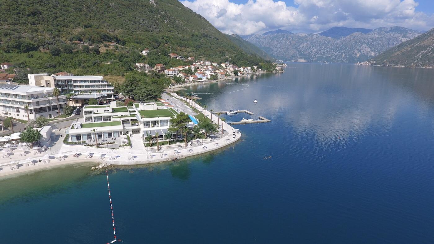 Gezondheidsvakanties in het 5* spa resort Blue Kotor Bay aan de baai van Kotor in mediterraan Montenegro.