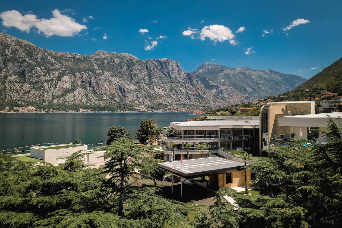 Ontstressen, relaxen en je gezondheid een boost geven in het luxe Montenegrijnse spa resort Blue Kotor Bay.