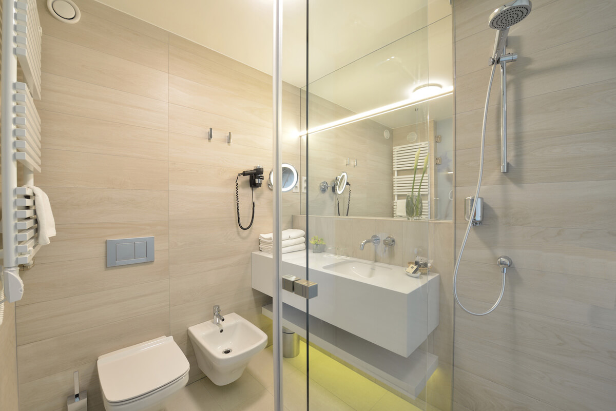 Badkamer Premium kamer Thermal Hotel Margitsziget Health Spa Resort.