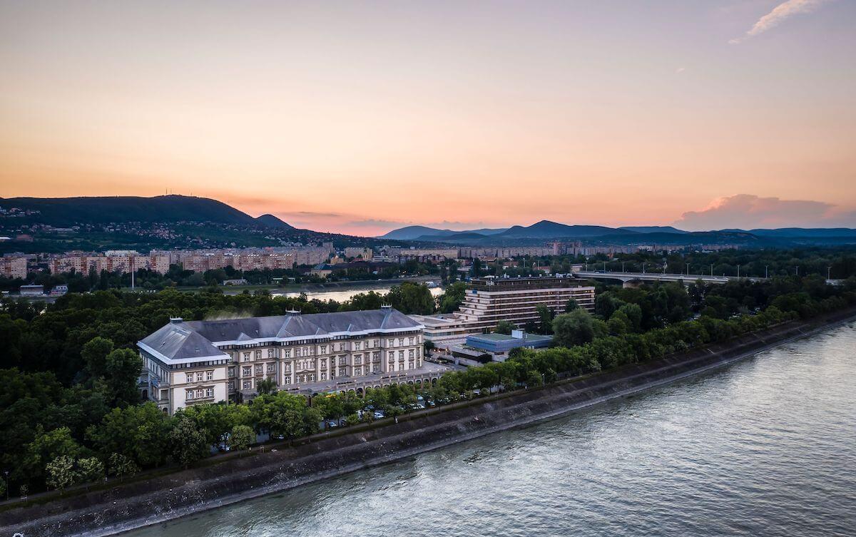 Gezondheidsvakanties naar kuuroord Margitsziget Health Spa Resort in Boedapest met verblijf in Grand Hotel