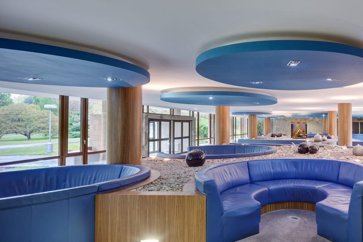 Lobby Balnea Health Spa: kuurkliniek van Esplanade Health Spa Resort en Splendid Health Spa Resort
