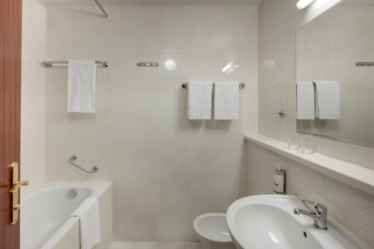 Badkamer in comfort kamer Splendid Health Spa Resort