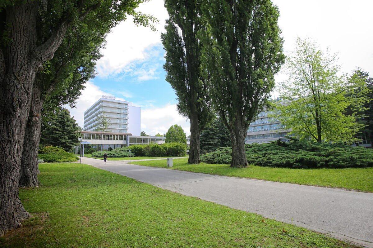Buitenzijde SPlendid Health Spa Resort în het Slowaakse kuuroord PIenstany