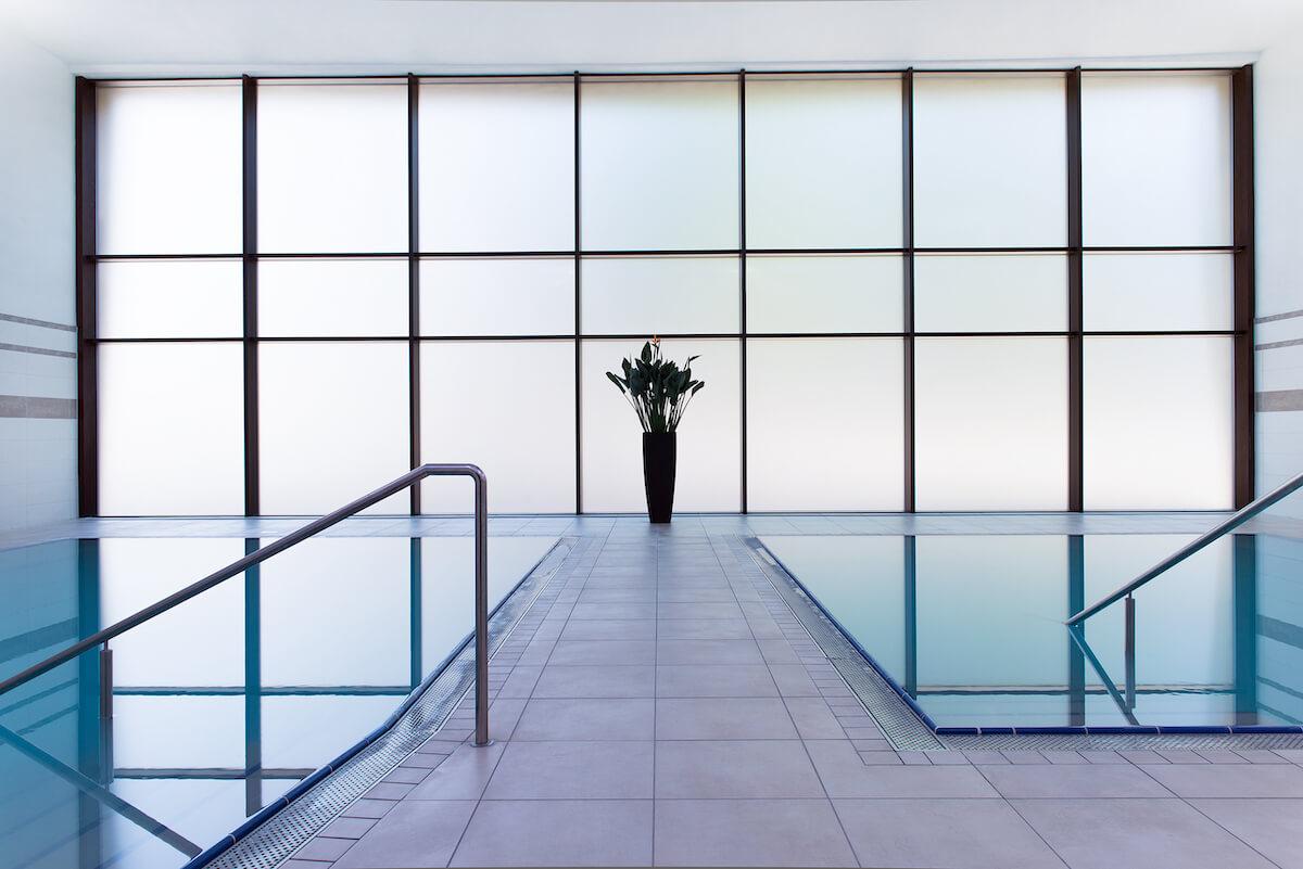 Thermale pool in Balnea Health Spa: kuurkliniek van Esplanade Health Spa Resort en Splendid Health Spa Resort