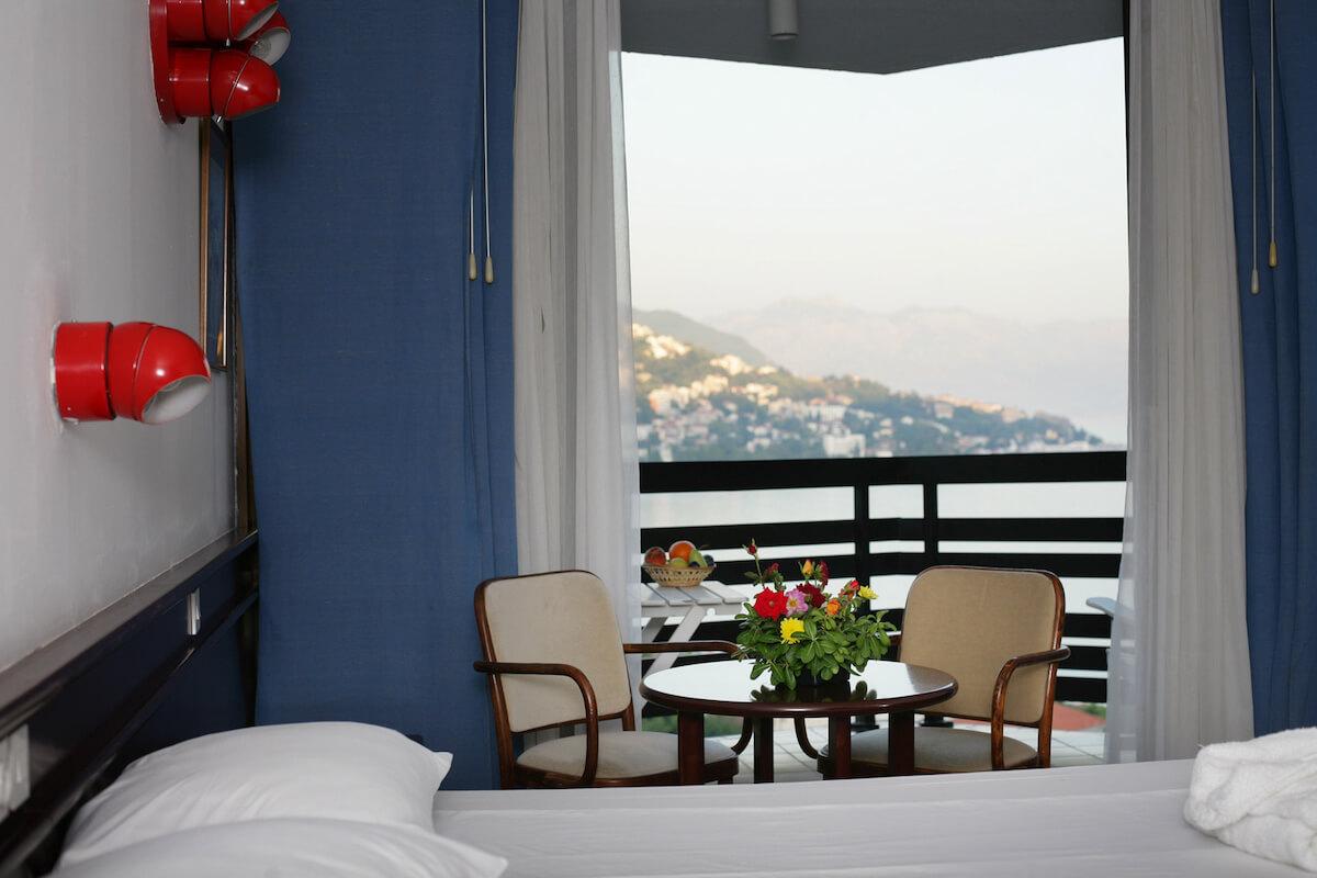 kamer in Igalo Health Spa Resort met uitzicht op de baai van Kotor en Herceg Novi