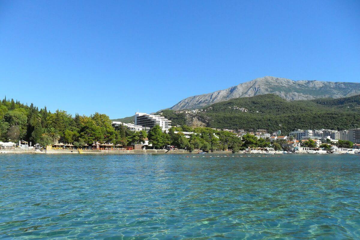 Kuren aan de Adriatische kust in het Montenegrijnse kuuroord Igalo Health Spa Resort