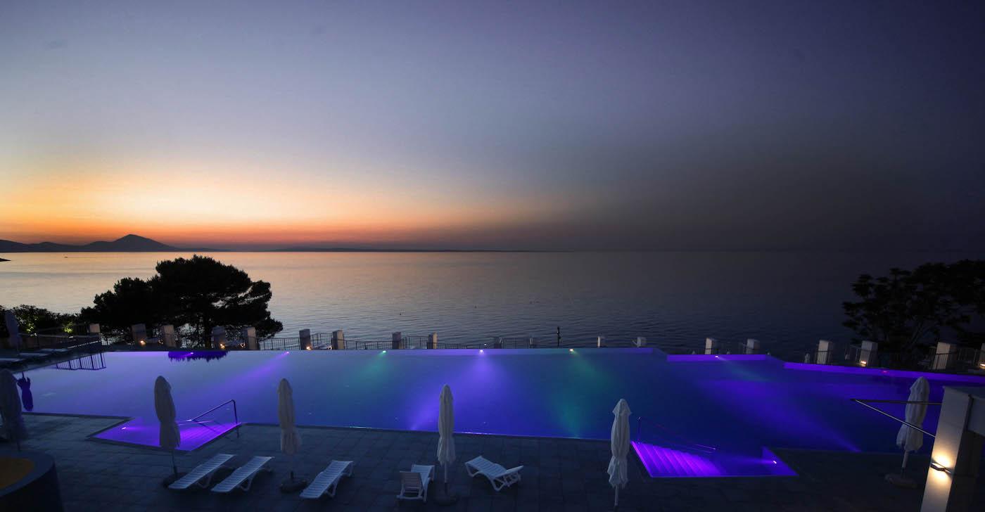 Infinity pool Vitality Punta Hotel