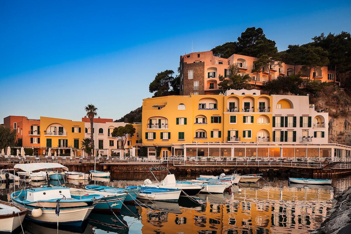 Gezondheidsvakanties in Regina Isabella Spa Resort op het Italiaanse Ischia eiland met z'n thermale bronnen