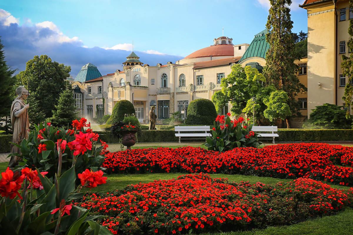Irma Health Spa, de stijlvolle art nouveau kuurkliniek van Thermia Palace Health Spa Resort in het Slowaakse kuuroord Piestany
