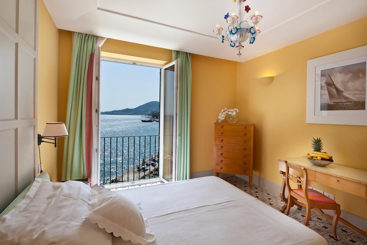 1-persoonskamer zee met Frans balkon in Regina Isabella Spa Resort