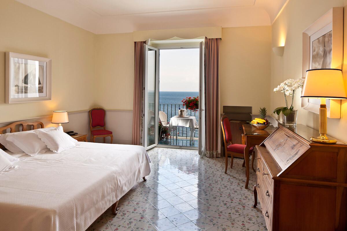 2-persoonskamer met balkon en zeezicht in Regina Isabella Spa Resort