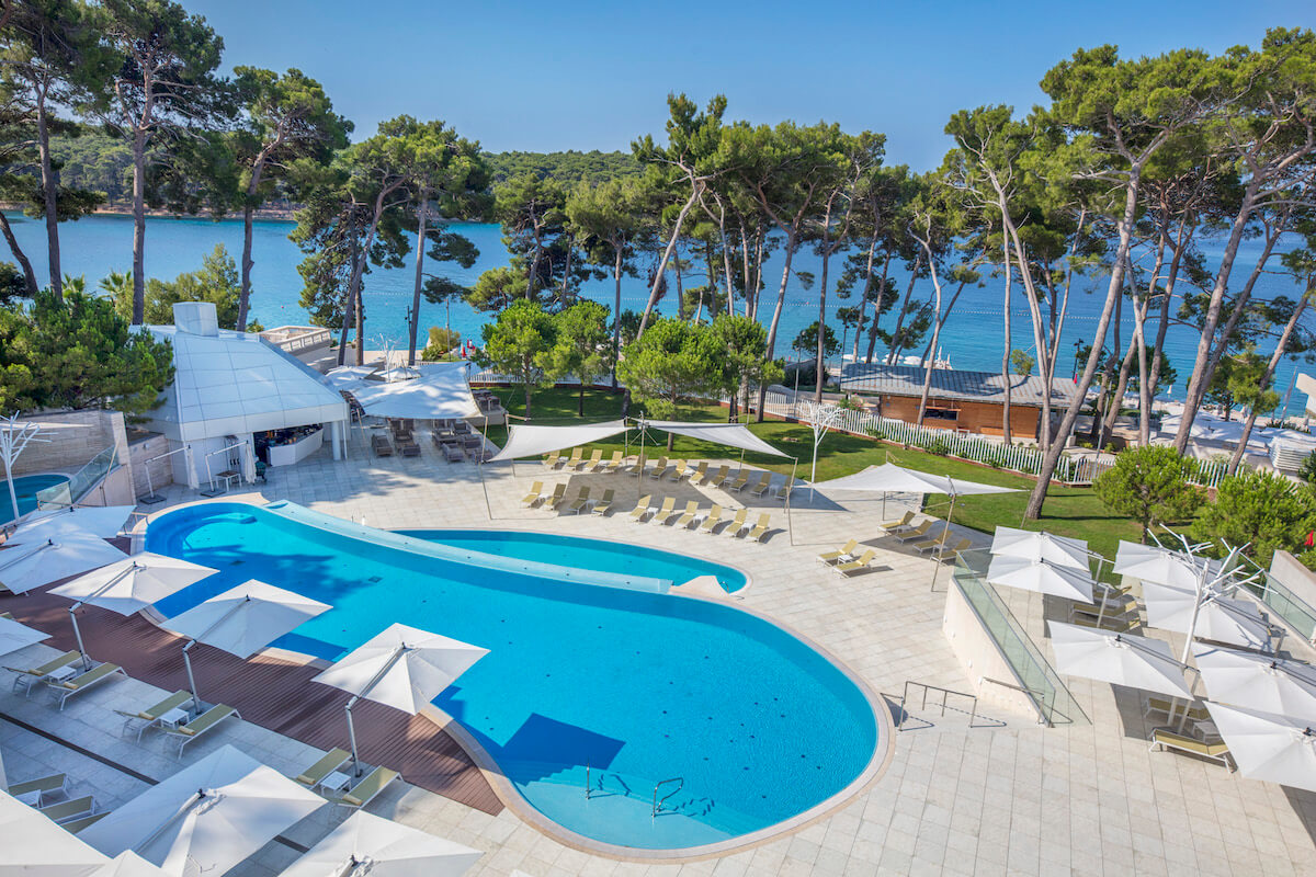 Infinity pool Bellevue Spa Resort