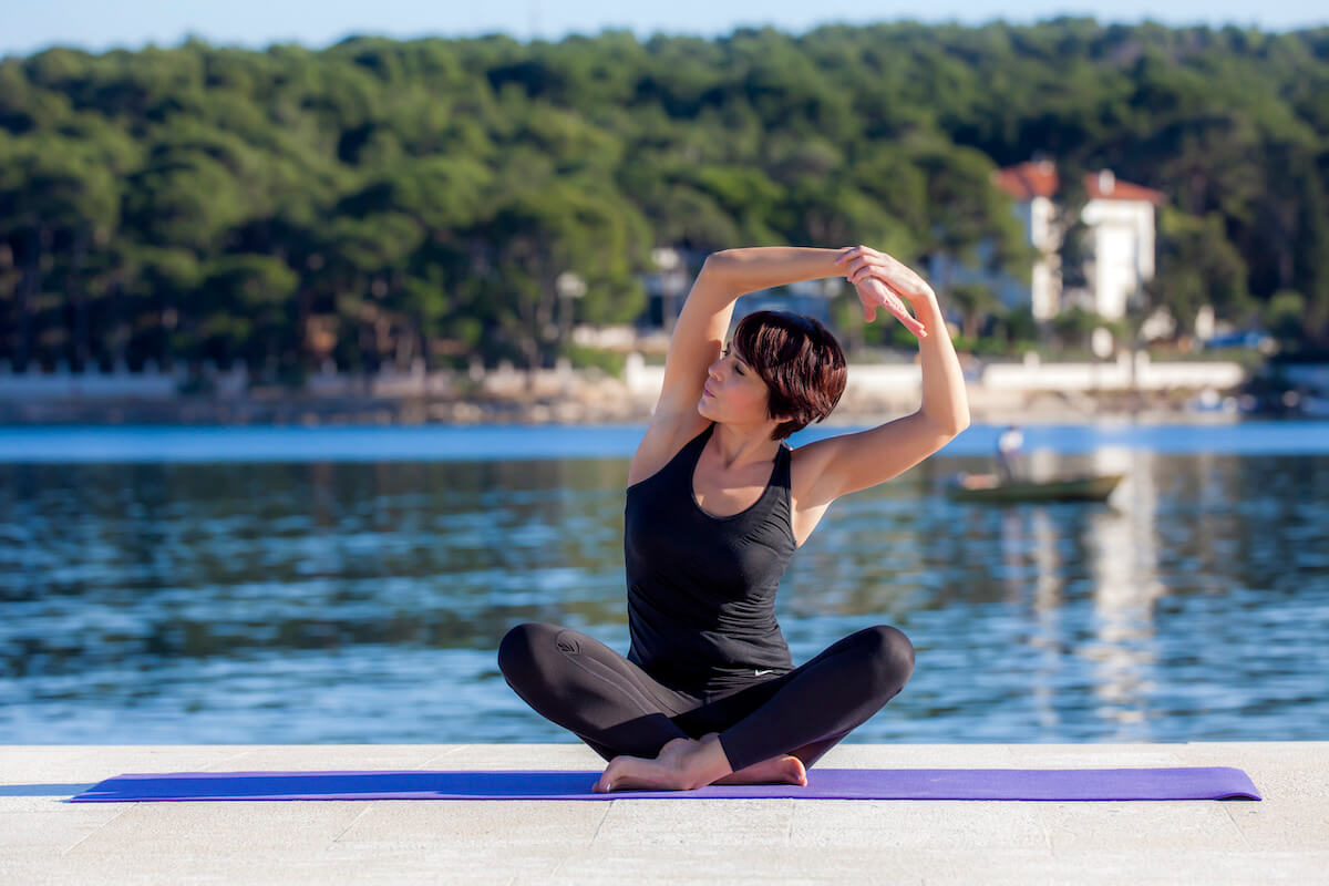 Buiten yoga in Bellevue Spa Resort