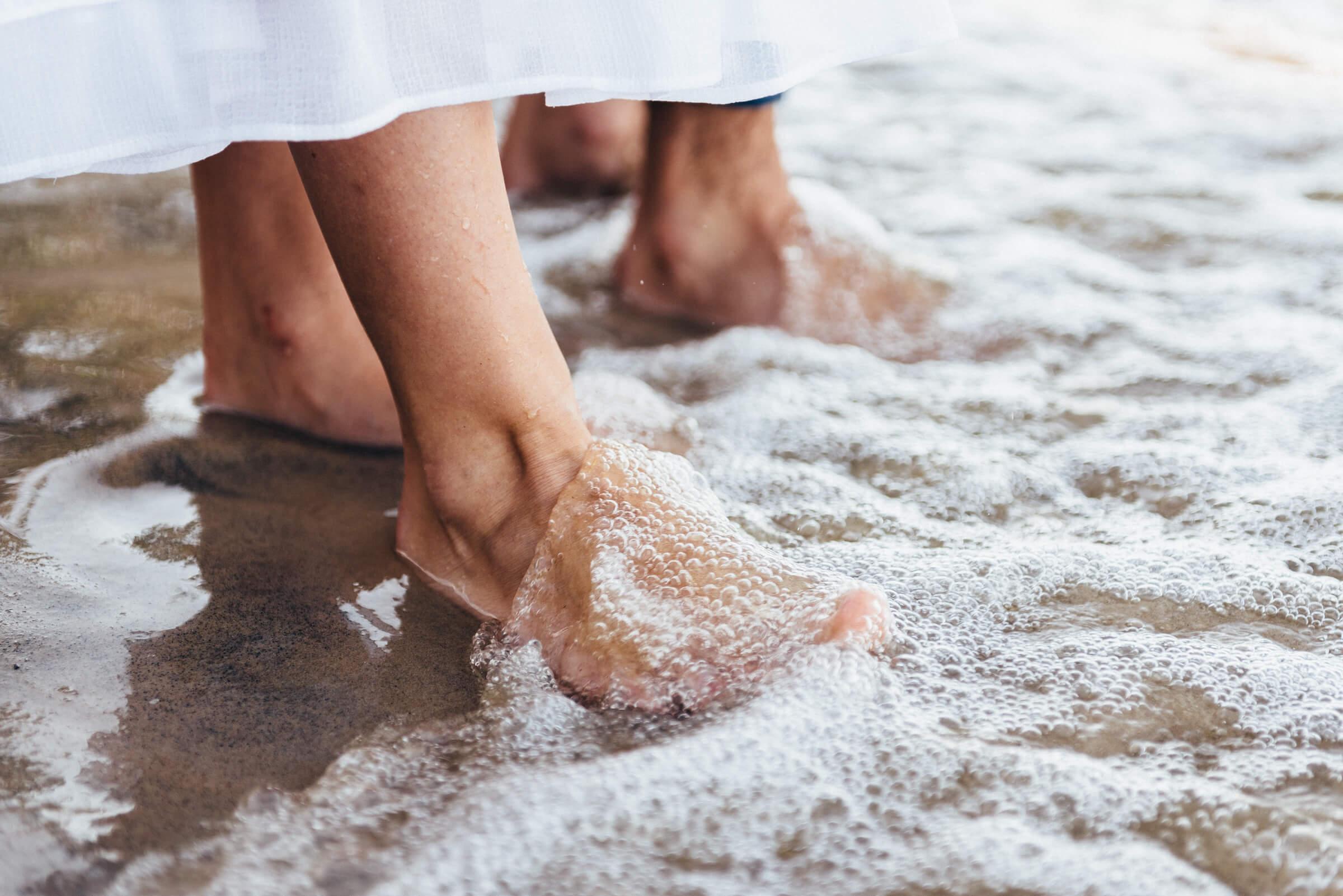 Thalassotherapie maakt gebruik van al het goede van de zee als zeewater, modder, zouten en algen voor ontspanning en behandeling. Ervaar de weldadige werking van een thalasso gezondheidsvakantie op lichaam en geest in een spa resort aan zee