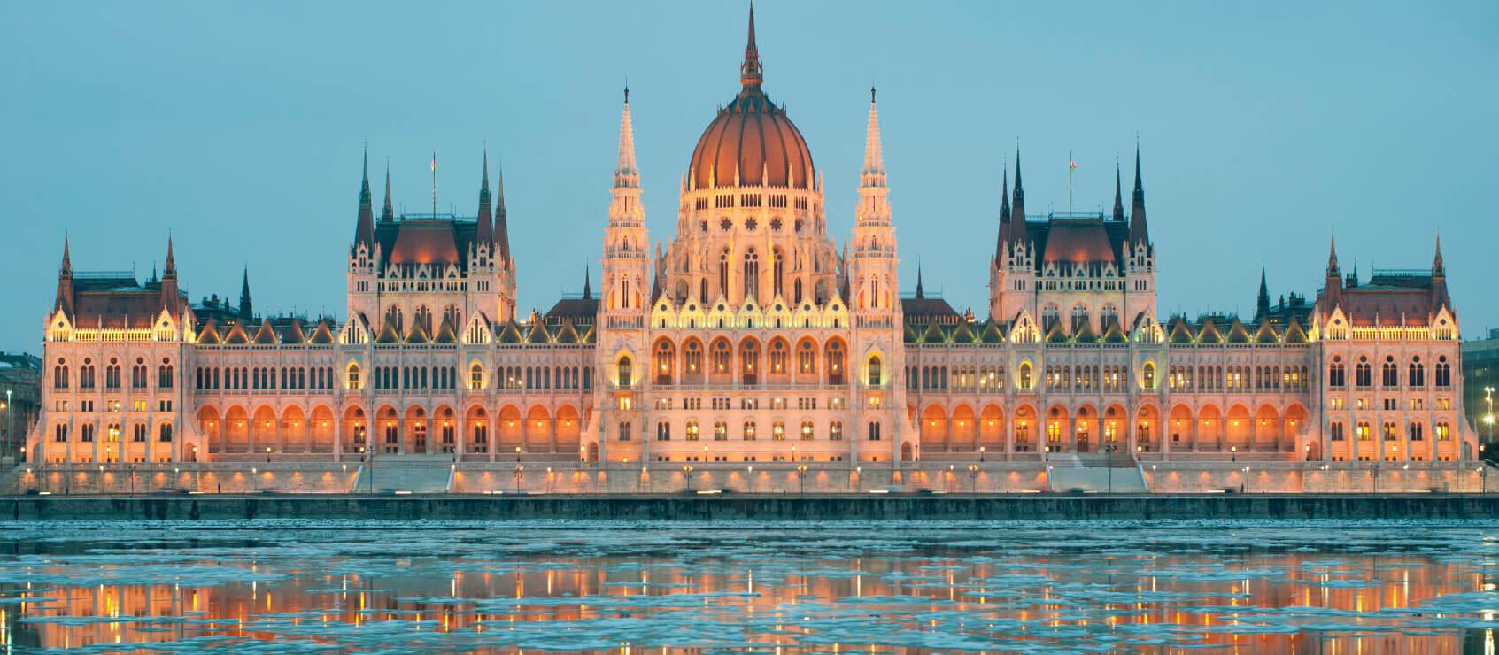 Kerstreis naar de Hongaarse hoofdstand Boedapest om te kuren in een kuuroord én te genieten van de feestdagen